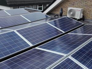 hybride-warmtepomp-met-zonnepanelen-1